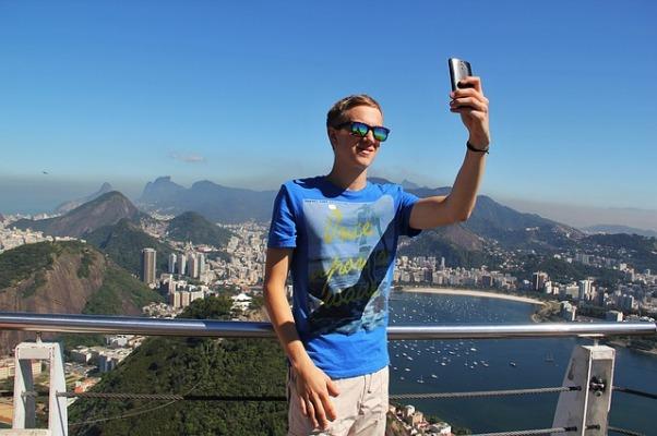 selfie-1118885_640.jpg